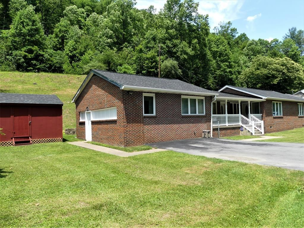 309 BEARHOLE ROAD Pineville WV 24874 id-40002 homes for sale
