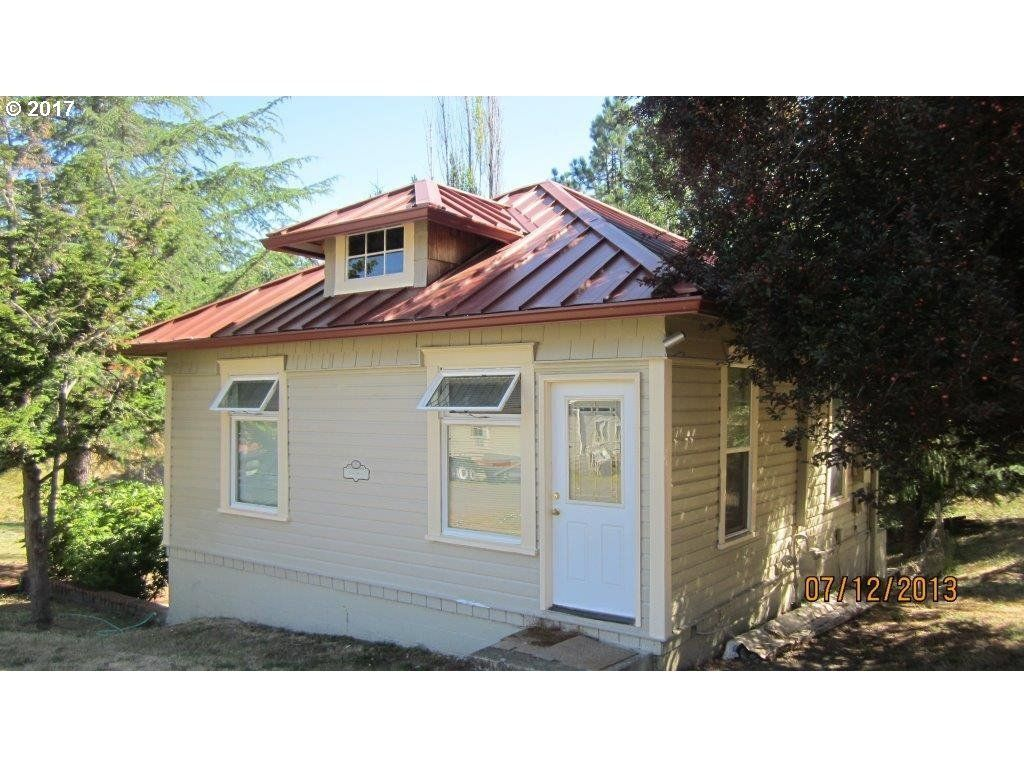 332 SE FOURTH ST Oakland OR 97462 id-1327686 homes for sale
