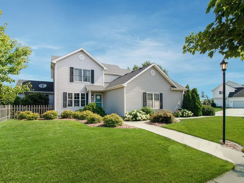 15701 BOSTON PARKWAY Clive IA 50325 id-1215172 homes for sale