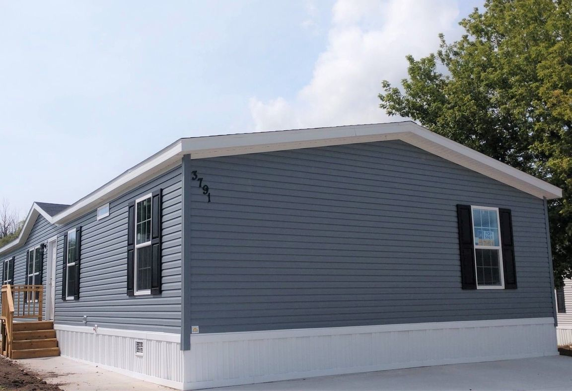 Wondrous Mobile Homes For Sale In Kent County Mi Homes Com Complete Home Design Collection Papxelindsey Bellcom