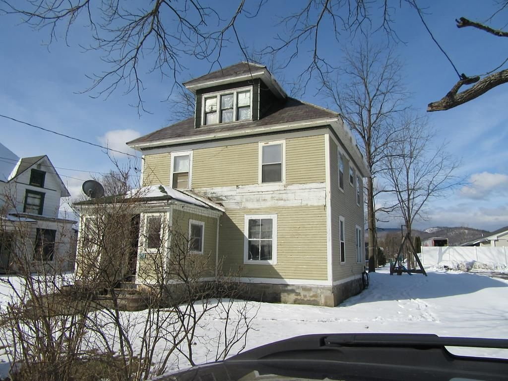 19 WAYNE AVE Ticonderoga NY 12883 id-954789 homes for sale