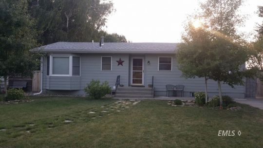 1109 S EARLING Miles City MT 59301 id-1250419 homes for sale