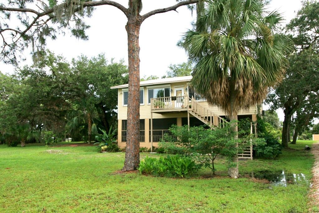 Wondrous Cedar Key Fl Homes For Sale Real Estate By Homes Com Home Interior And Landscaping Spoatsignezvosmurscom