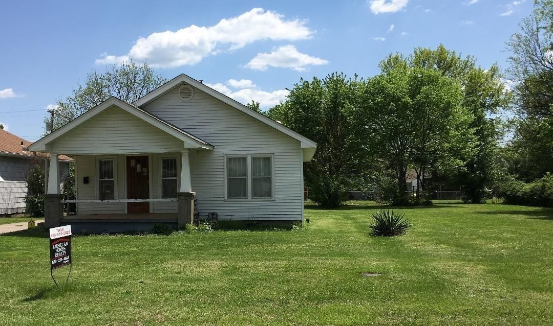 809 WEST 2ND STREET Coffeyville KS 67337 id-647989 homes for sale
