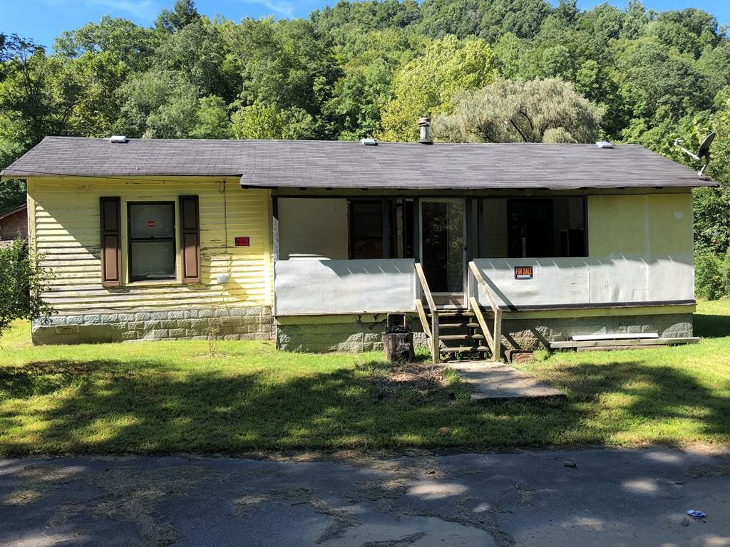 168 RIVER FRONT ROAD Amigo WV 25811 id-1181464 homes for sale