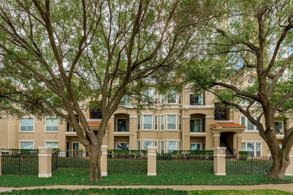 3231 ALLEN PARKWAY 1110 Houston TX 77019 id-13899 homes for sale
