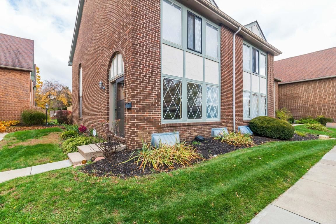 5331 VALLEY LANE E Z80 - Search Patio Tagged Columbus Ohio Homes For Sale