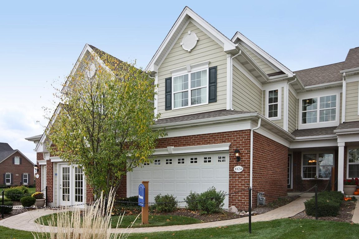 Pentwater At Bowes Creek Country Club - The Townhome Collection Elgin IL 60124 id-1197889 homes for sale