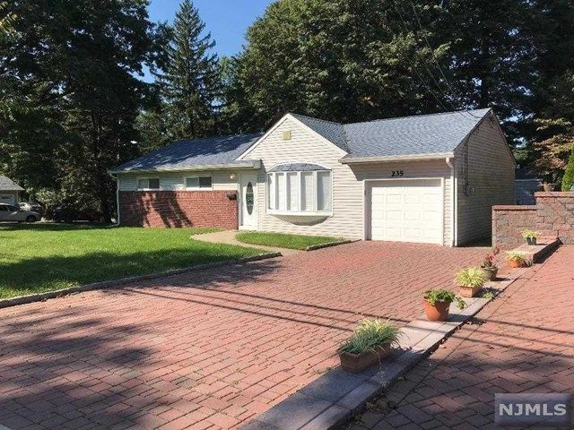 235 NORTH FARVIEW AVENUE Paramus NJ 07652 id-1590968 homes for sale