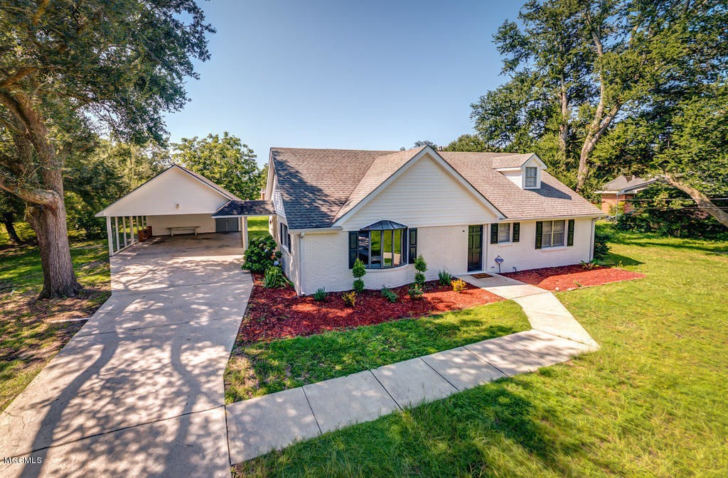 2143 switzer rd gulfport ms for sale 183 900 for Home builders gulfport ms