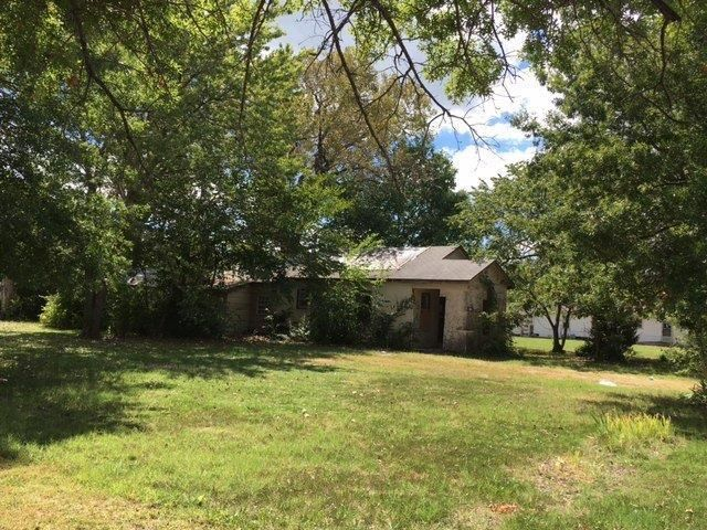 1811 WEST 5TH STREET Coffeyville KS 67337 id-320811 homes for sale