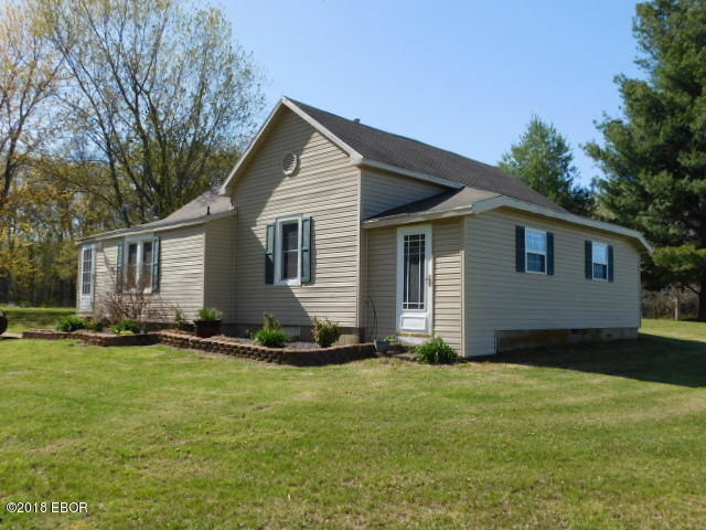 625 STATE ROUTE 37 Kell IL 62853 id-1379945 homes for sale