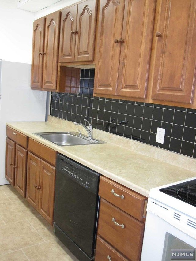 19 CENTRAL AVENUE 2 Midland Park NJ 07432 id-317777 homes for sale