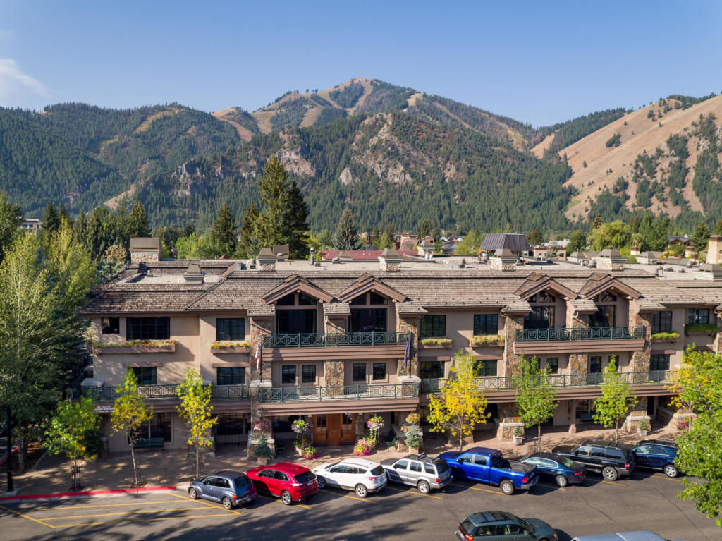 680 E SUN VALLEY RD 8G Sun Valley ID 83353 id-150170 homes for sale