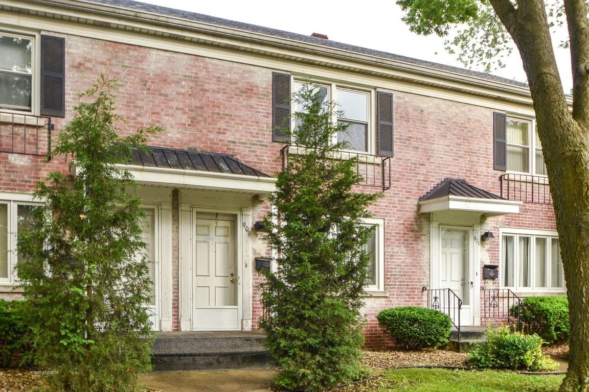 909 NORTH RAYNOR AVENUE Joliet IL 60435 id-1664130 homes for sale
