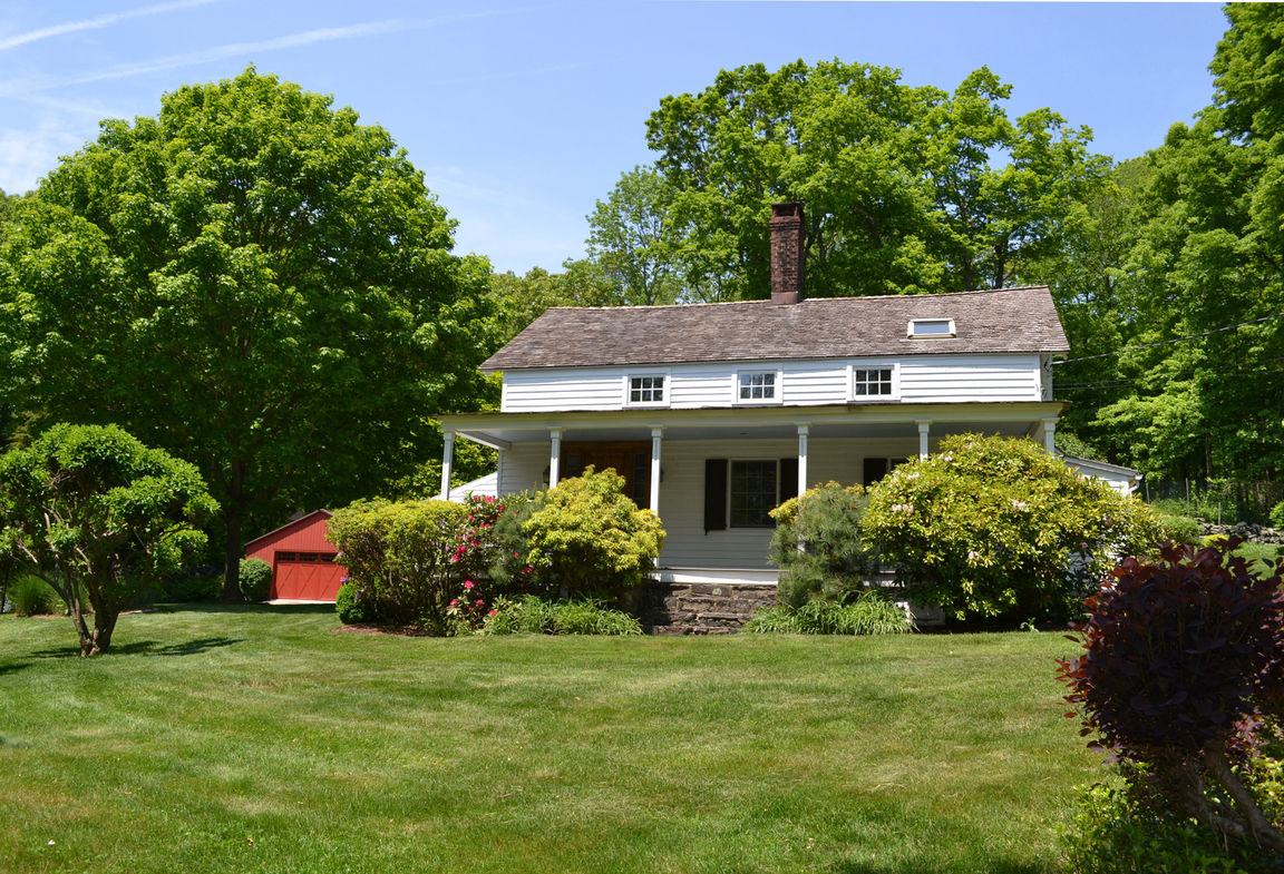 97 Little Town Lane Bedford Ny