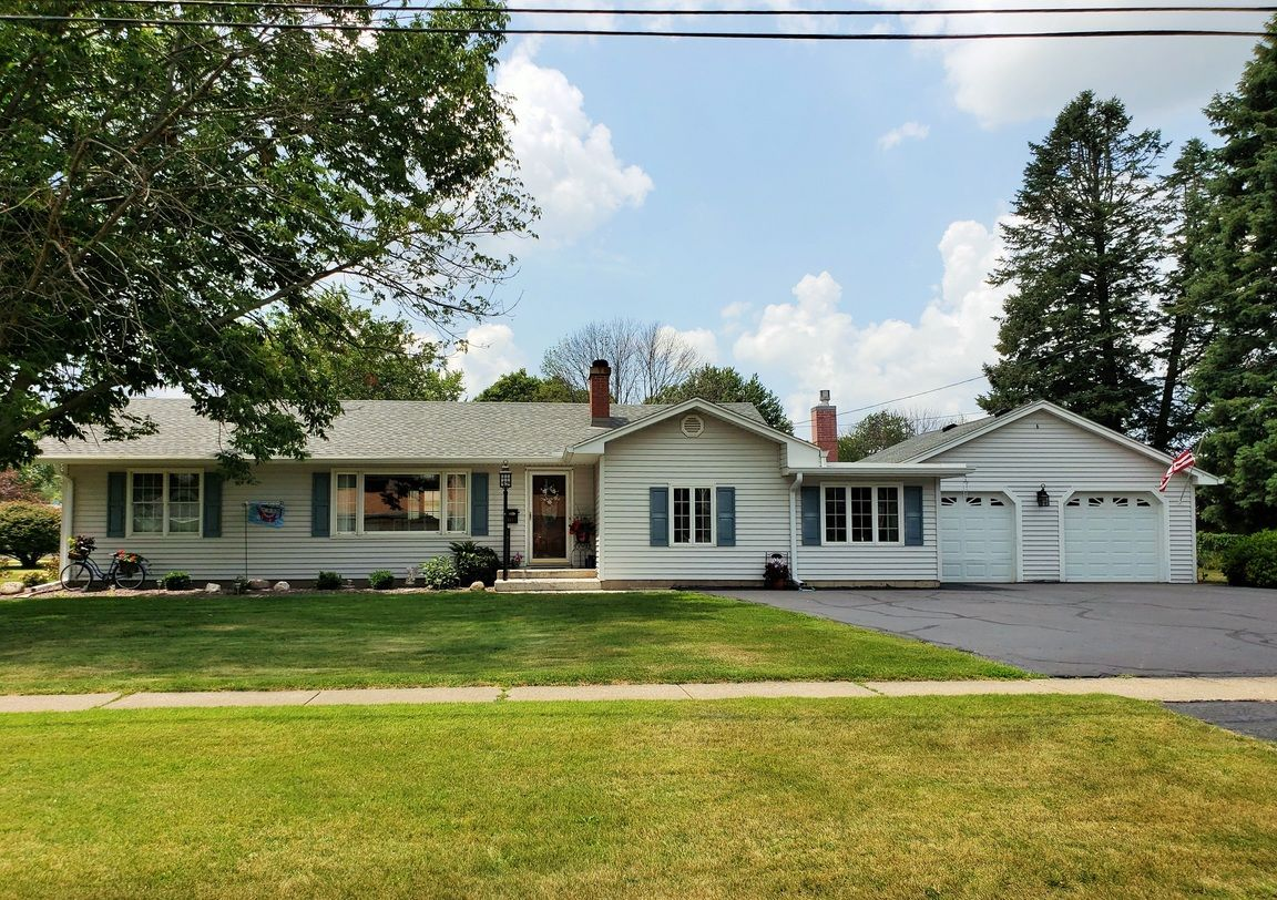 1152 HARRISON ST Galesburg IL 61401 id-1104019 homes for sale