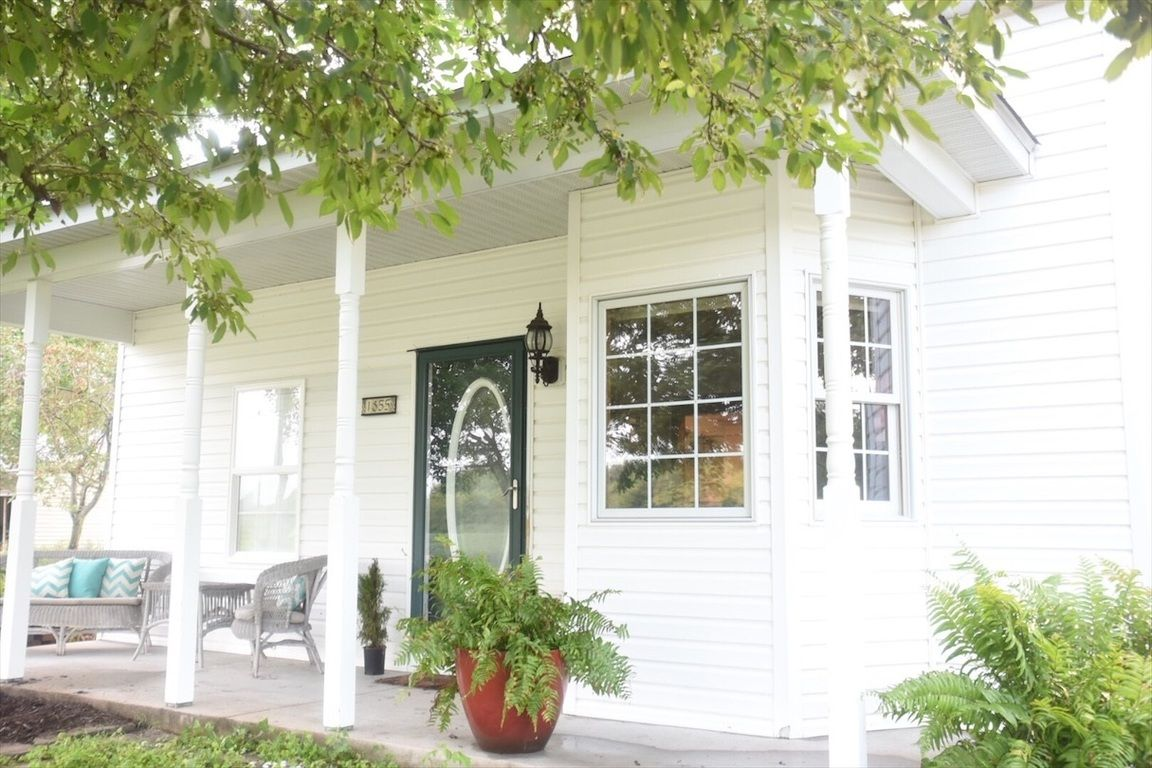 prairie du rocher big and beautiful singles Prairie du rocher, randolph county, il house for sale - 6 acres  clean, updated with plenty of storage, this 2 bedroom, 1 bath home offers a quiet getaway from the hustle and bustle of big city life the park-like setting of the backyard along with a 12 x 24 covered deck is great for entertaining the living room, kitchen, bedrooms, bath.