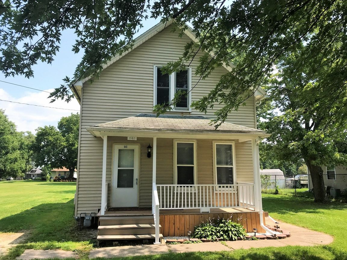 645 OHIO AVE Galesburg IL 61401 id-1064911 homes for sale