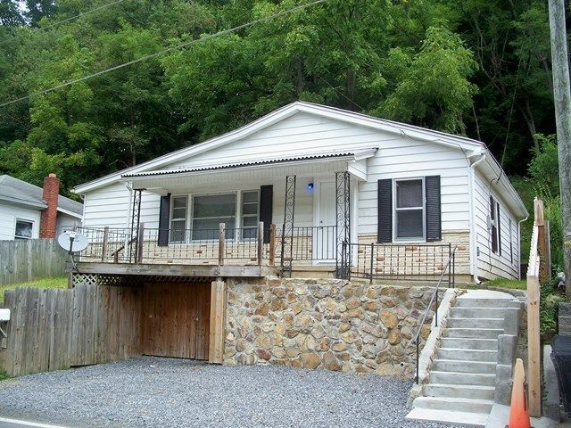 1134 OLD BRAMWELL RD Bluefield WV 24701 id-211930 homes for sale