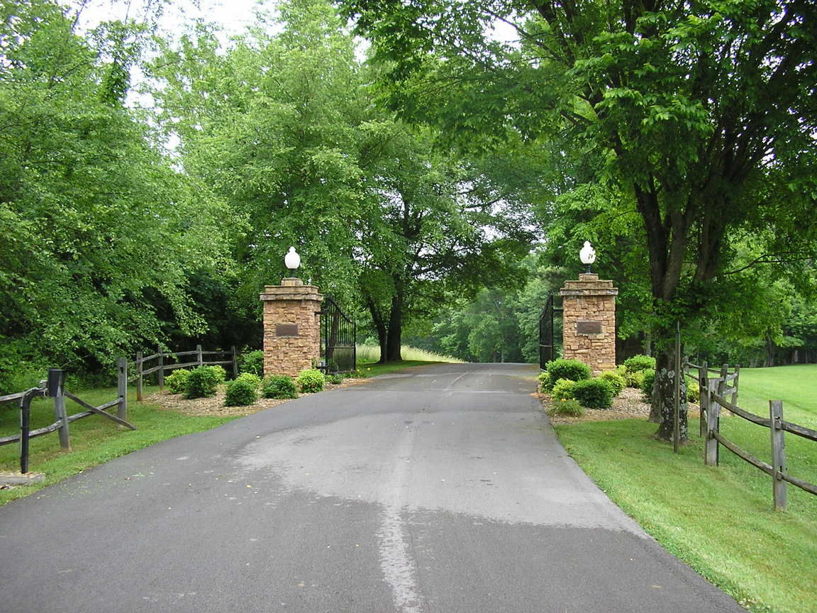 LOT 7 RIVERBEND RIDGE Scottsville KY 42164 id-1775817 homes for sale