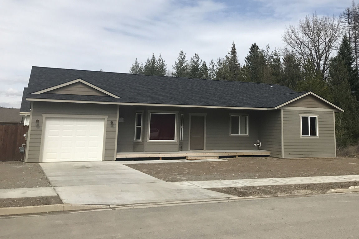 310 ASHLIN CT Sandpoint ID 83864 id-1917888 homes for sale