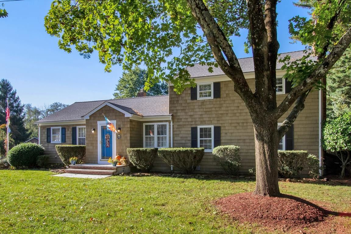 33 HEYERS MILL ROAD Colts Neck NJ 07722 id-1947127 homes for sale