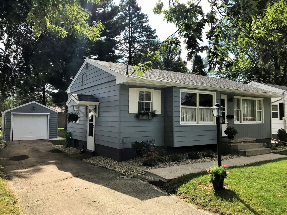 1286 E FREMONT ST Galesburg IL 61401 id-1383618 homes for sale