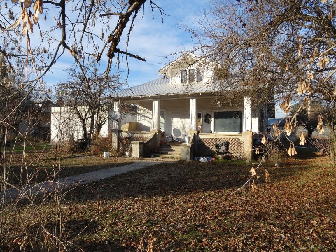 233 E LINCOLN Priest River ID 83856 id-2160040 homes for sale