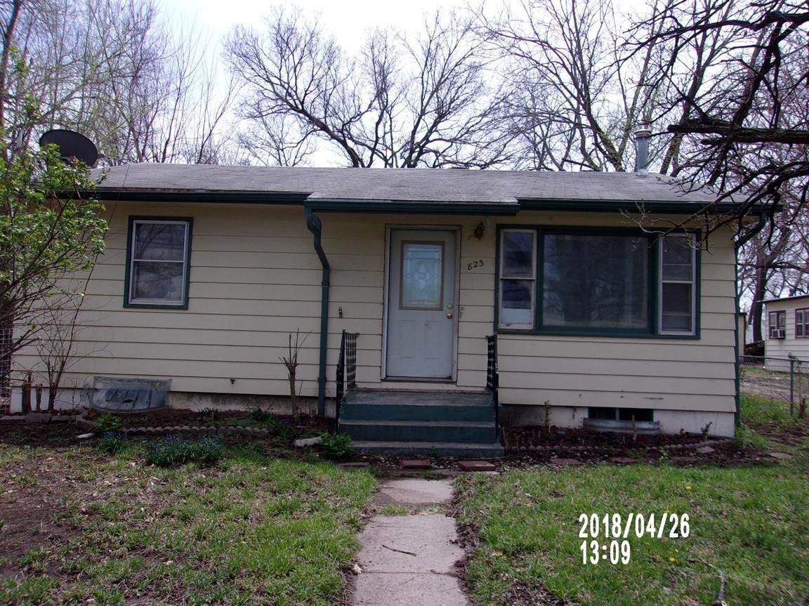 823 WEST 9TH Junction City KS 66441 id-241535 homes for sale