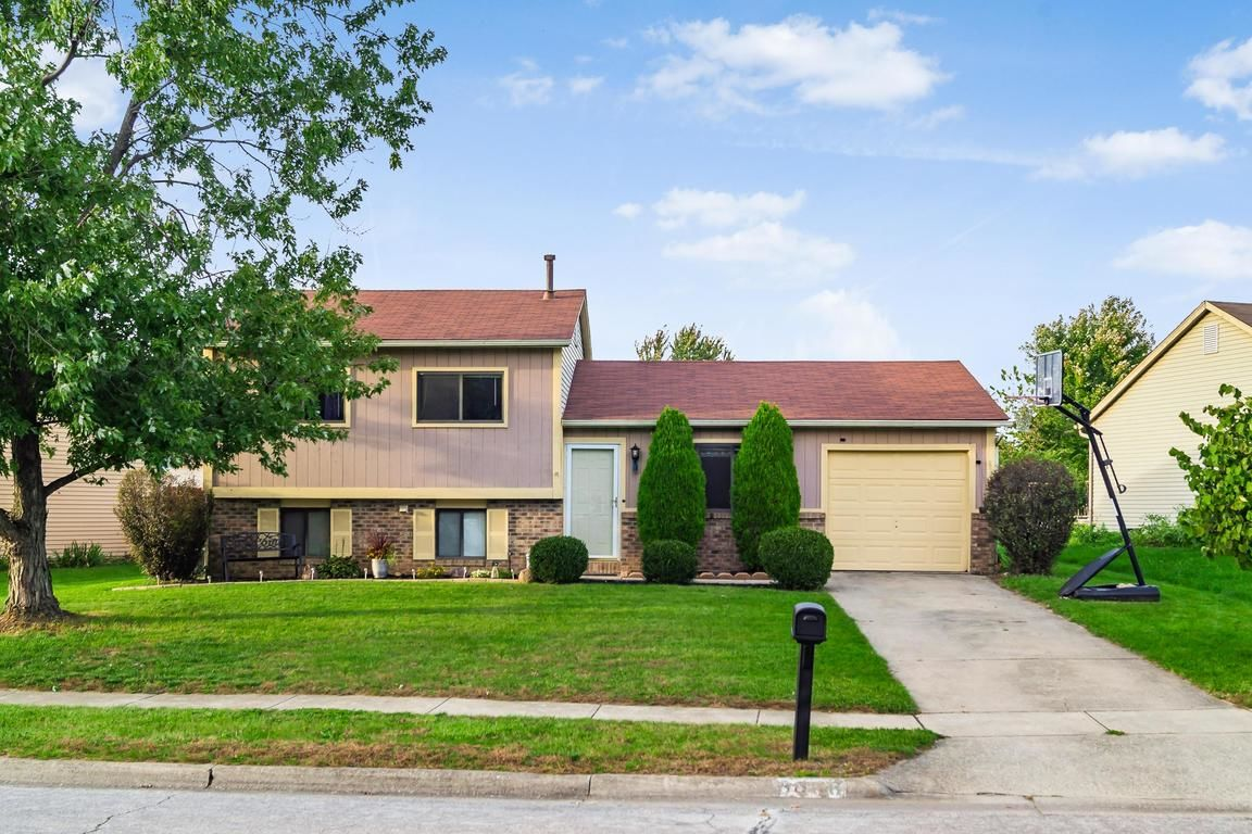 3006 BRETTON WOODS DRIVE. Columbus OH ... - Search Patio Tagged Columbus Ohio Homes For Sale