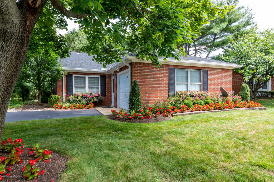 Superb Homes For Sale In The Fairway Mews Area Of Spring Lake Nj Home Interior And Landscaping Oversignezvosmurscom