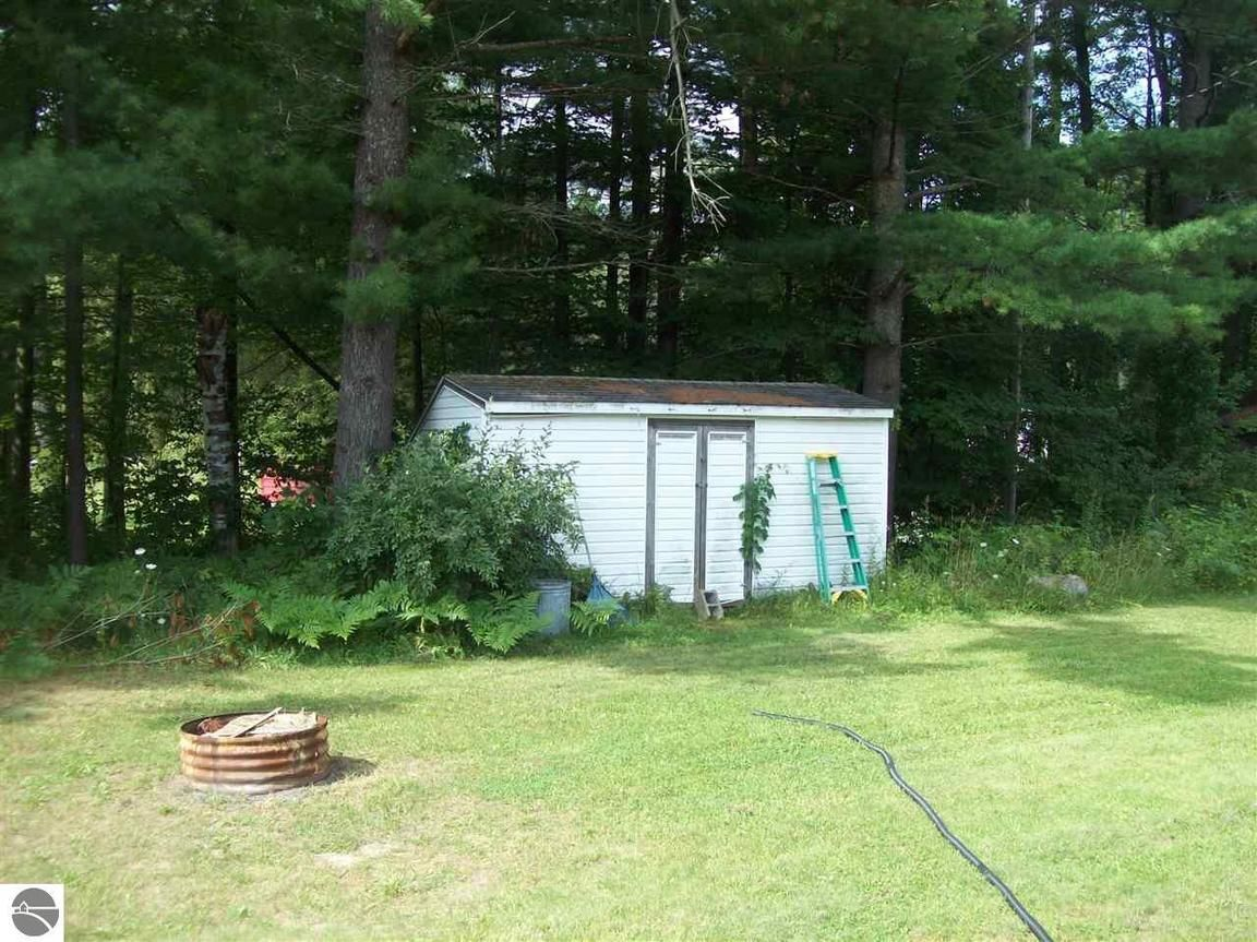 25 N Plank Road Tawas City, MI - For Sale $79,000 | Homes.com