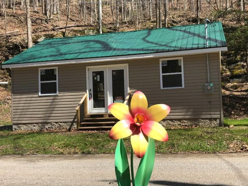 47 MIDDLE LICK BRANCH Charleston WV 25314 id-860381 homes for sale