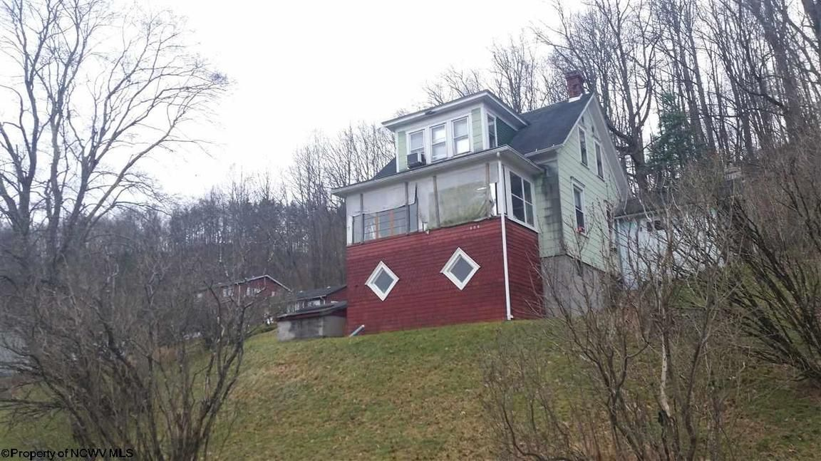 606 SYCAMORE AVENUE Mannington WV 26582 id-308194 homes for sale