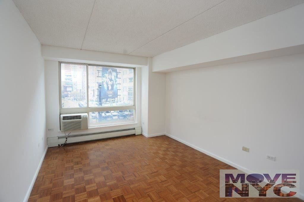 Renovated 1-Bedroom House In Chelsea