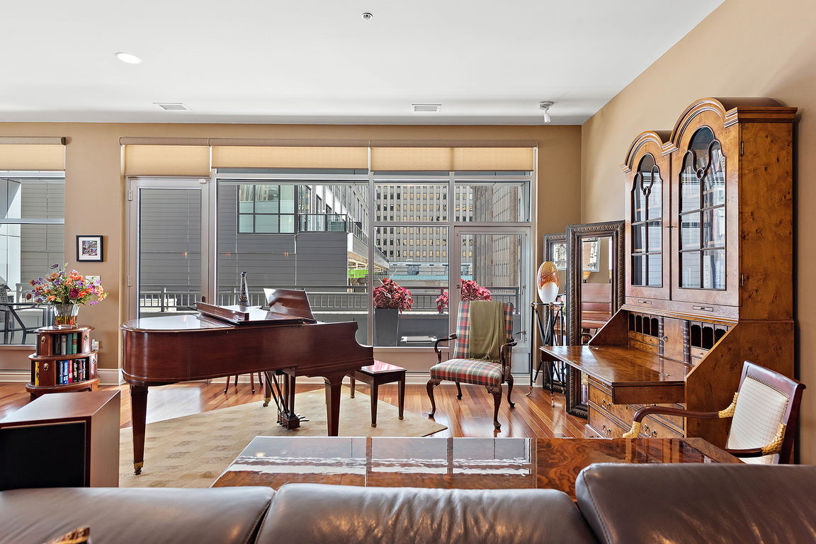 Luxurious 3-Bedroom Condo In Downtown Pittsburgh