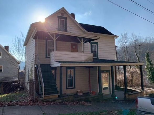 2-Story House In Pitcairn