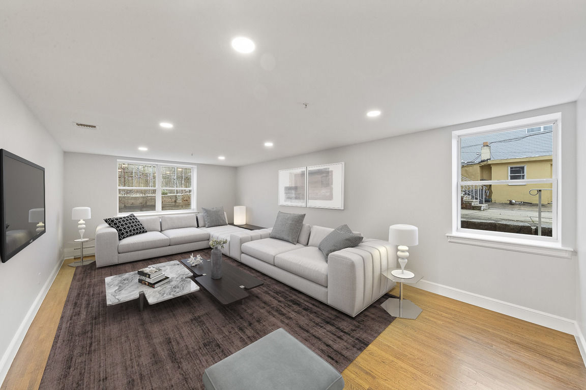 Renovated 3-Bedroom House In Fairview