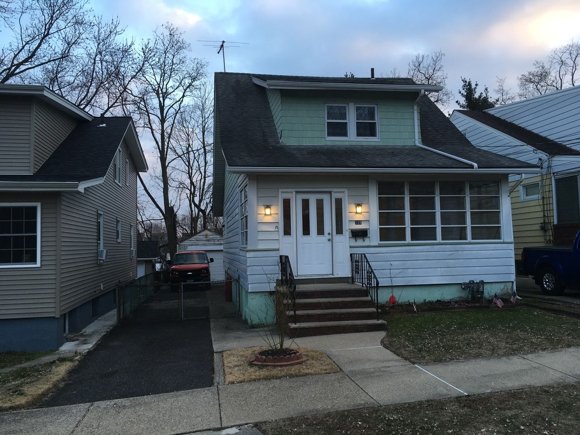 Renovated 6-Bedroom House In Lakeview