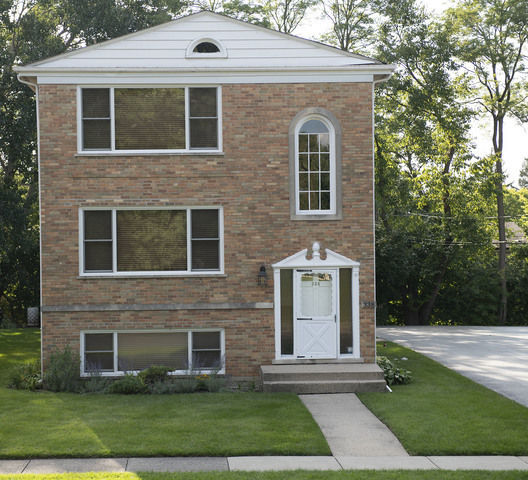 Renovated 2-Bedroom House In Palatine