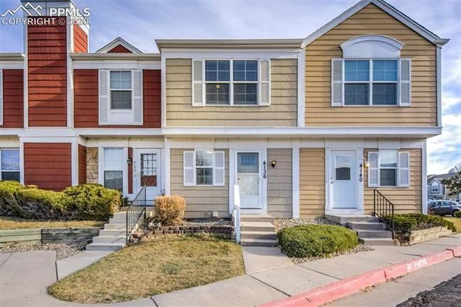 Updated 2-Bedroom House In Southborough