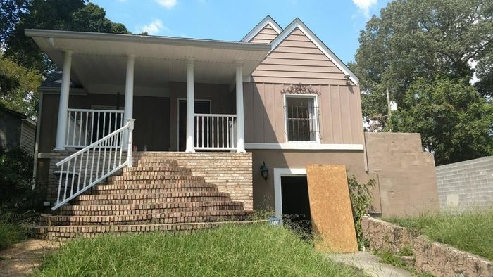 1218 SqFt House In Foxwood Heights
