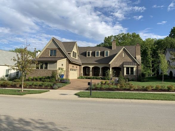 4-Bedroom House In The Grove