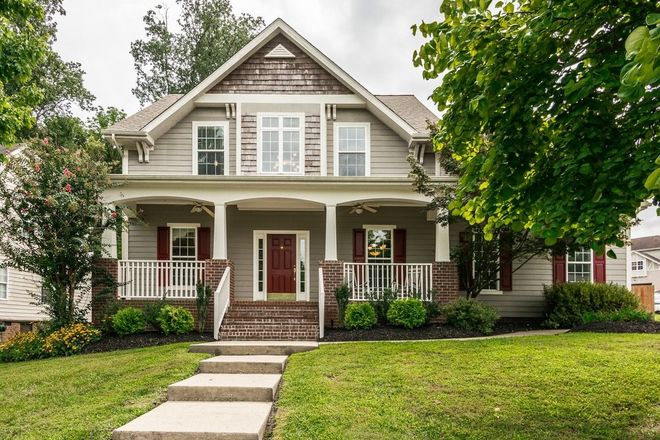 Upgraded 4-Bedroom House In Woodland Point