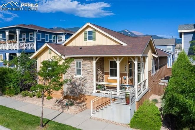 Upgraded 4-Bedroom House In Gold Hill Mesa