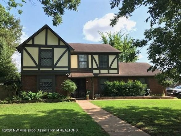 4-Bedroom House In Greenbrook West