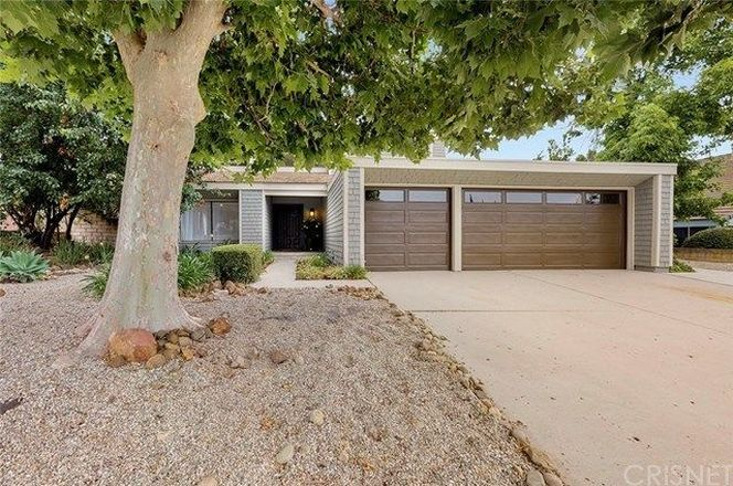 Remodeled 5-Bedroom House In Forest Cove