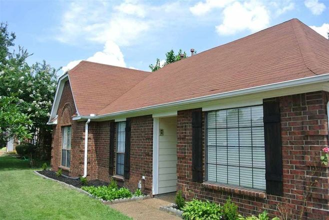 Updated 3-Bedroom House In Wolfchase