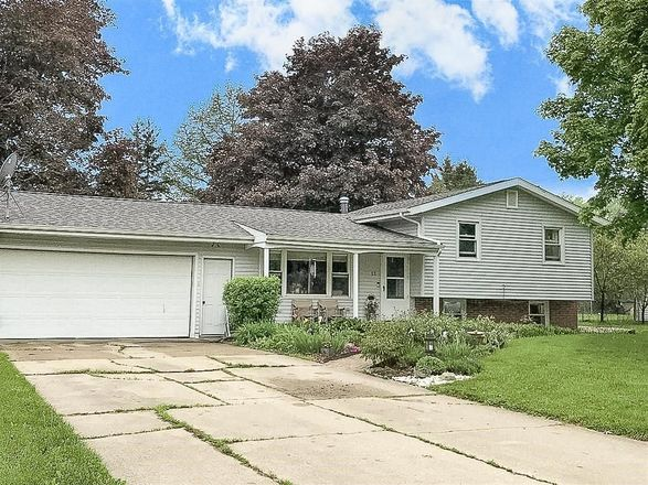 1532 SqFt House In Greenfield